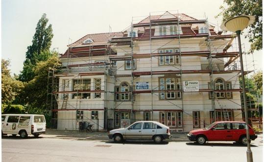 Fassadenschutzanstrich einer Jugendstilvilla in Schwachhausen Georg-Gröning-Straße.(Die gesamten Malerarbeiten im Innenbereich wurden ebenfalls von uns ausgeführt)